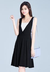 簡約素雅前交叉洋裝