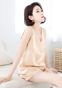 兩件式緞面睡衣組